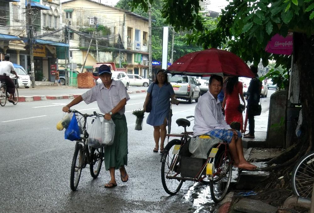 Fortbewegung auf zwei Rädern in Myanmar